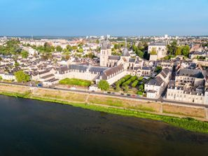 Prenájom auta Blois, Francúzsko