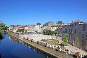 Prenájom auta Fontenay Le Comte, Francúzsko