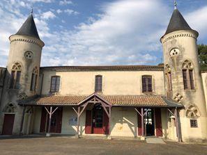Prenájom auta Gradignan, Francúzsko