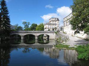 Prenájom auta Jonzac, Francúzsko