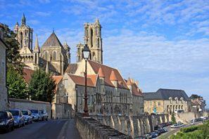 Prenájom auta Laon, Francúzsko