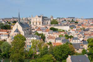 Prenájom auta Poitiers, Francúzsko